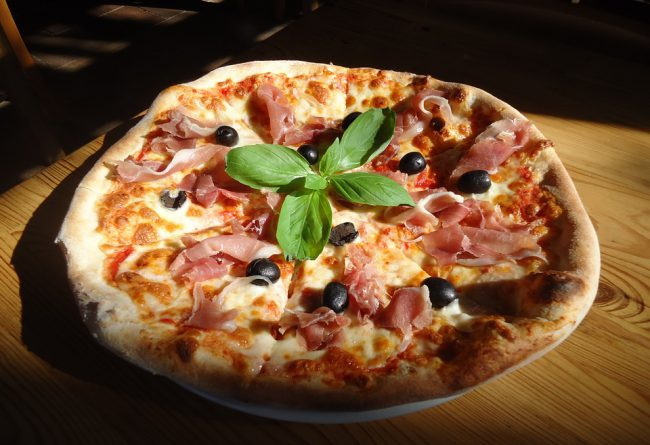 PIZZA-CAPRICCIONA